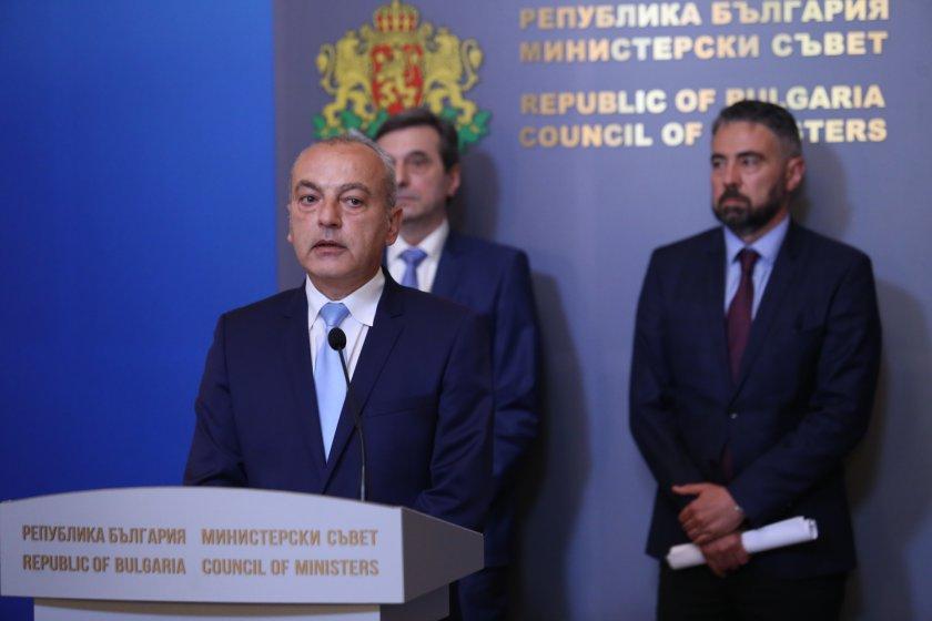 Министър-председателят Стефан Янев разговаря с ръководствата на КНСБ и КТ