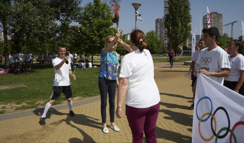 Стефка Костадинова прие факела с олимпийския огън