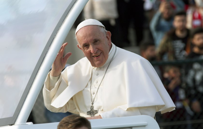 папа франциск отслужи голямата меса ирак снимки