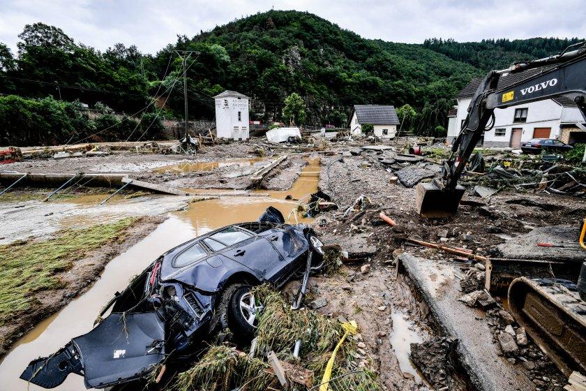 унищожителни наводнения германия снимки