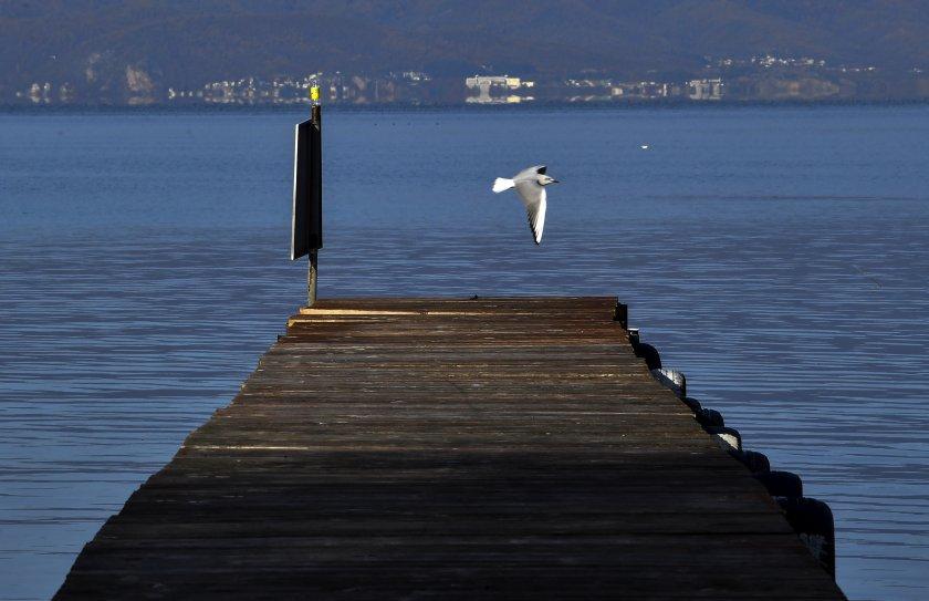 мълния рани души плажа охридското езеро