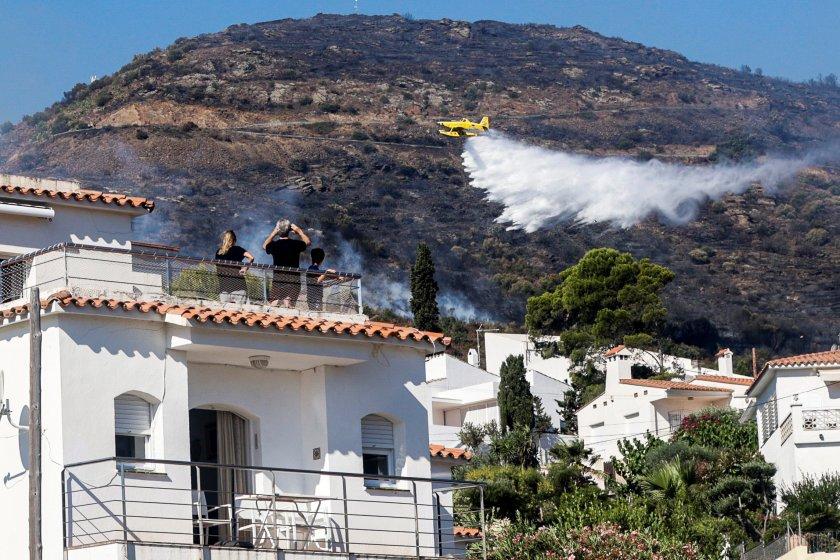гори природен парк каталуния стотици хора евакуирани