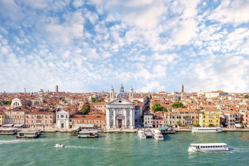 Венеция забранява влизането на големи кораби в лагуната