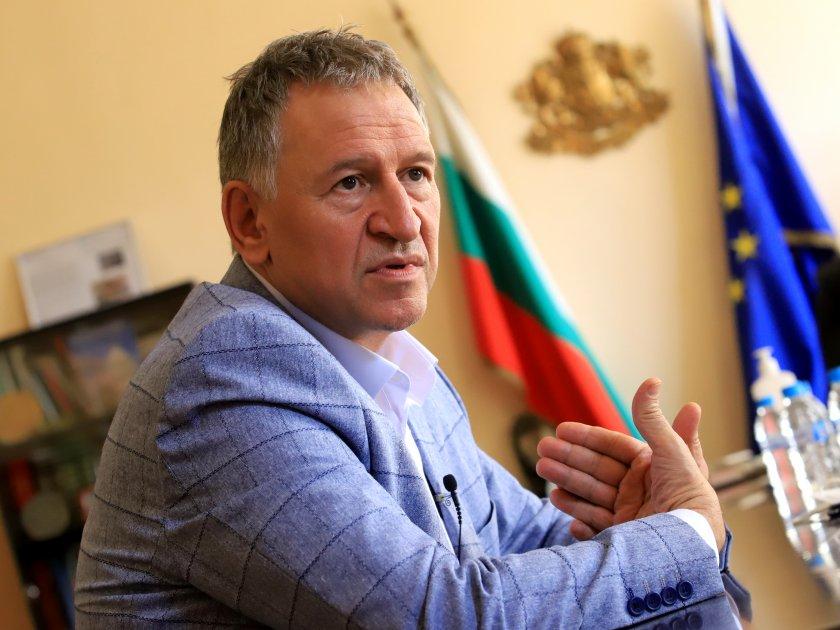 здравният министър разпореди свикване областните кризисни щабове заради covid