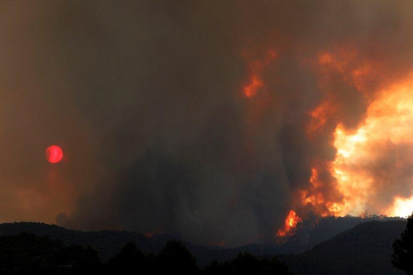 голям пожар остави без ток части испания португалия франция