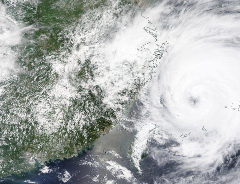 китай подготвя тайфуна