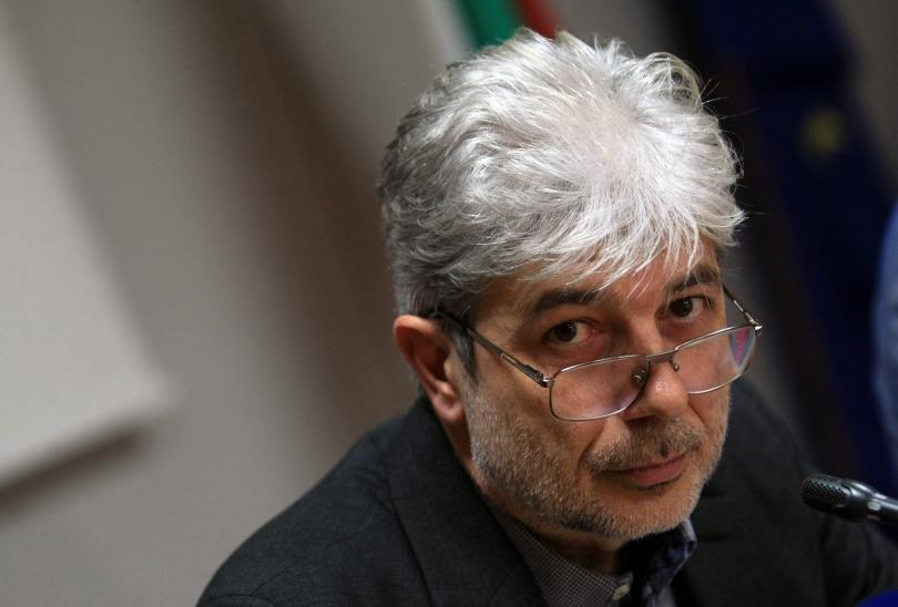 Предадоха на съд бившия екоминистър Нено Димов за водната криза в Перник
