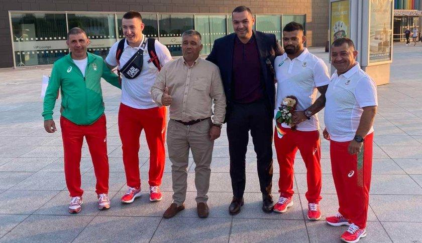 българските щангисти също отлетяха токио