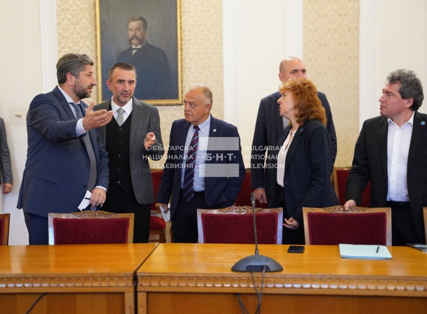 """ИТН и """"Демократична България"""" след преговорите: Конструктивен диалог, без персонални въпроси и имена"""