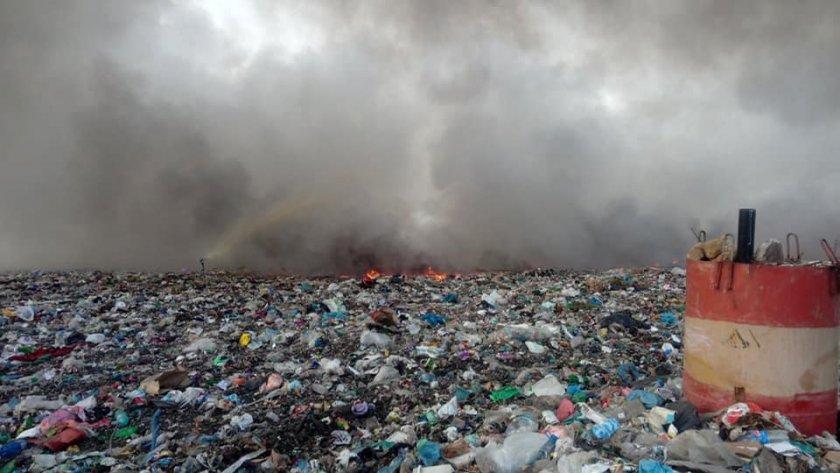 пожар пламна сметището битови отпадъци асеновград снимки