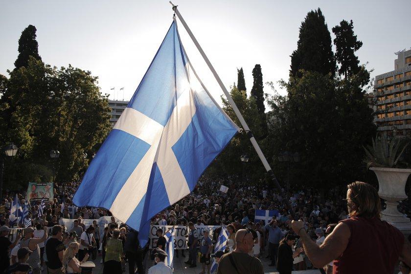 гръцкият парламент одобри задължителната ваксинация здравния сектор