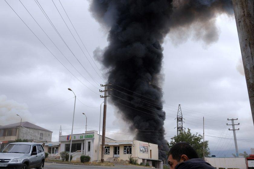 Армения съобщи за интензивна стрелба по границата с Азербайджан. Азербайджанските