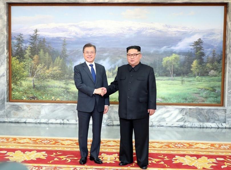 Северна и Южна Корея възстановиха комуникацията помежду си