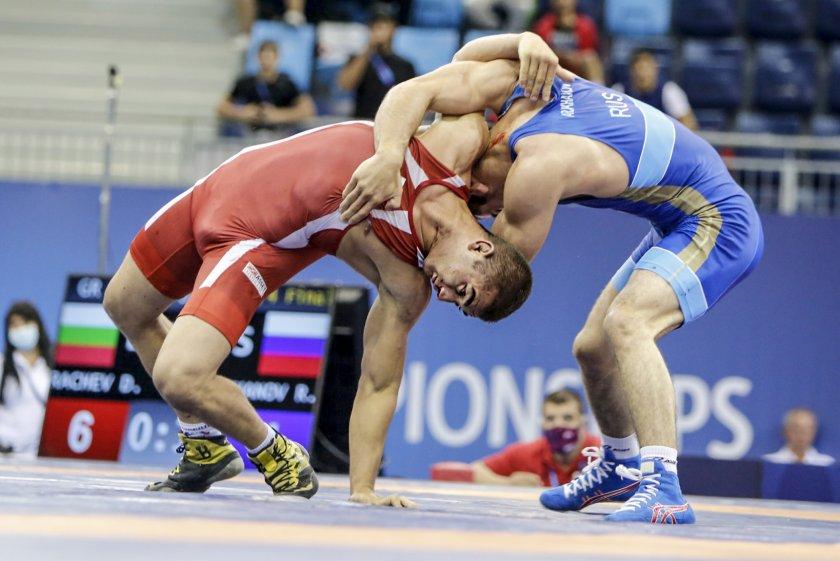 Димитър Рачев се окичи с бронз от Световното по борба за кадети