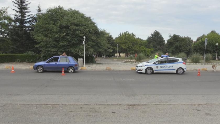 51-годишен шофьор блъсна две 11-годишни деца на пешеходна пътека в