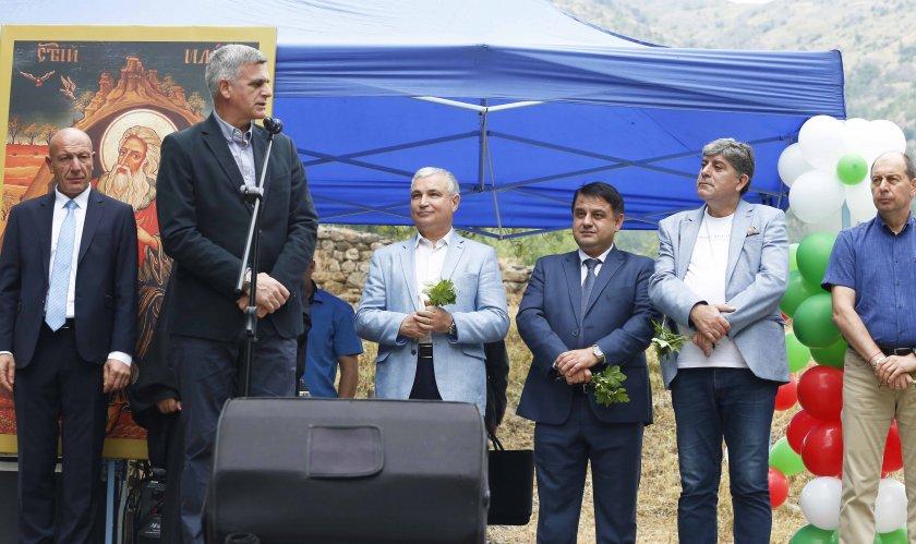 министър председателят стефан янев посети пирдоп случай празника града