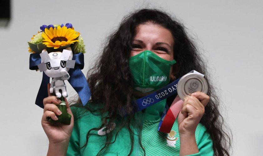 министър кузманов аплодира живо големия успех антоанета костадинова олимпийските игри токио