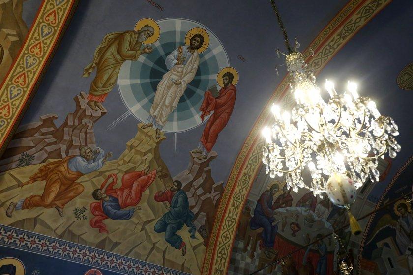 Църквата почита Преображение Господне