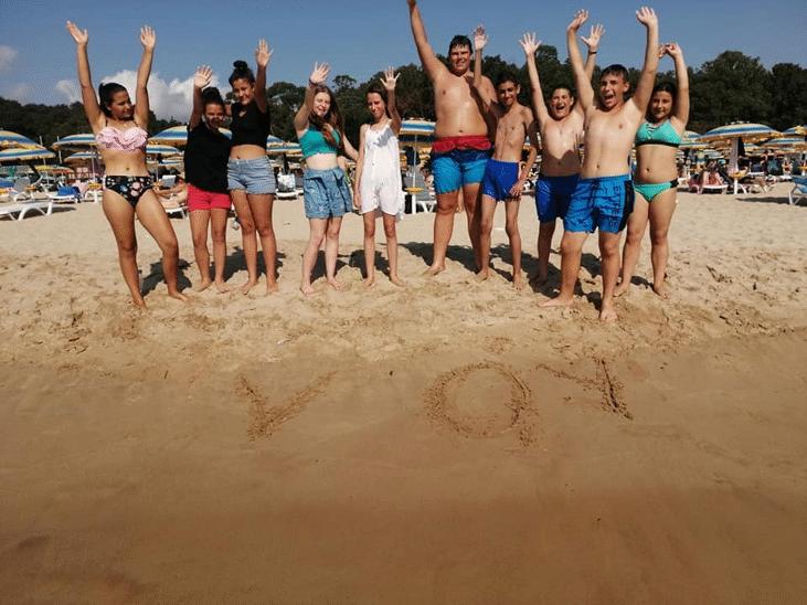 почти 000 ученици учители одобрени безплатна почивка
