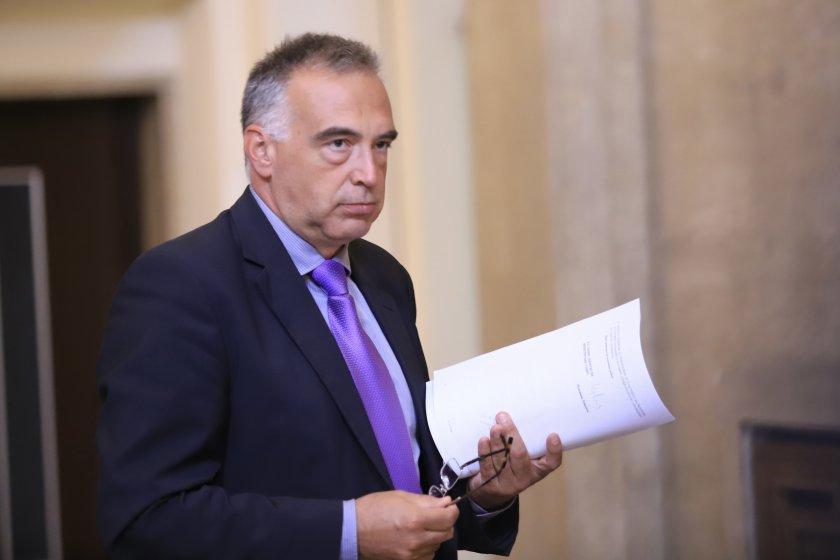 Антон Кутев: Всички резерви в бюджета са изчерпани, кризите ни чакат