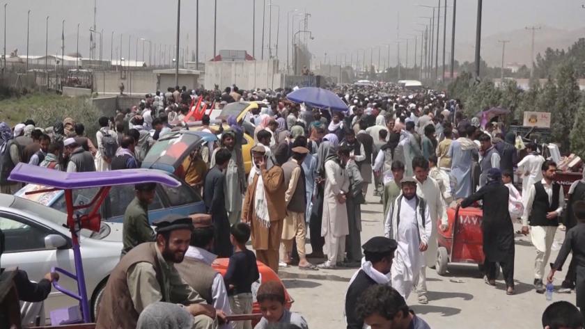 Ситуацията в Афганистан: отчаяни опити за евакуация, талибаните започват преговори за правителство