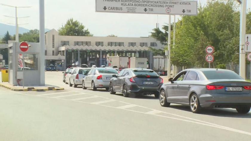 Засилен трафик към Гърция, тестват шофьори на случаен принцип