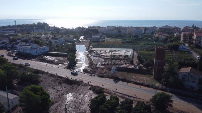 Испания се бори с щетите от наводненията