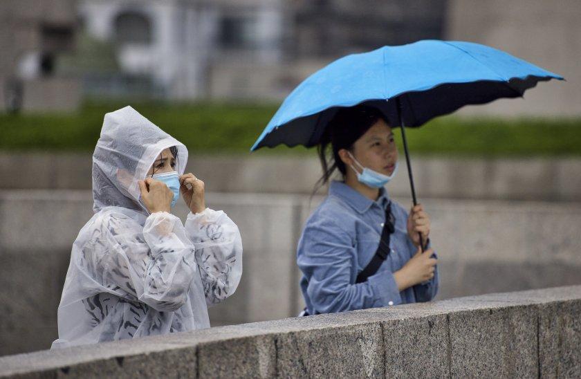 стотици отменени полети приближаването чанту шанхай