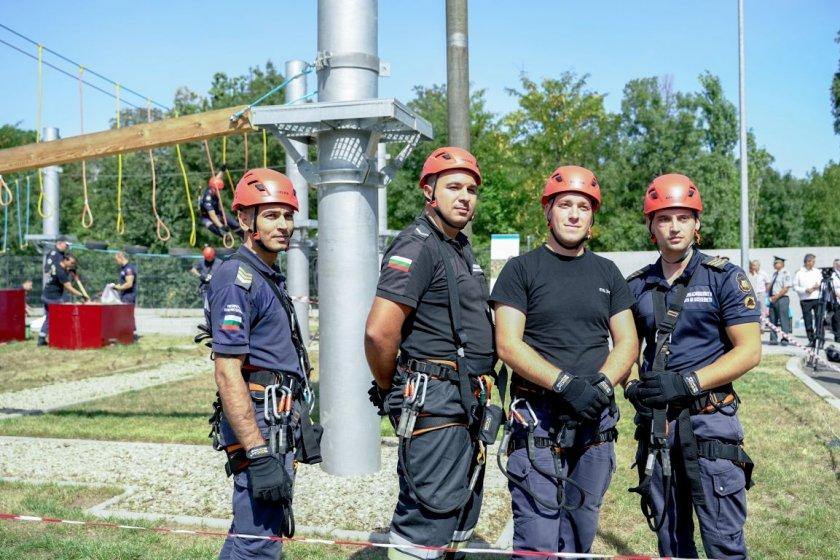 нов тренировъчен лагер пожарникари откриха софия