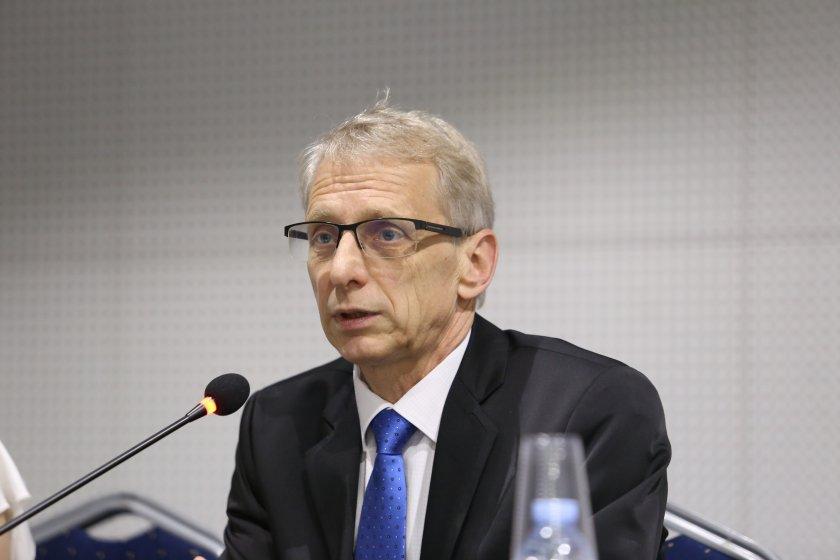 министър денков новата учебна година дълго присъствена