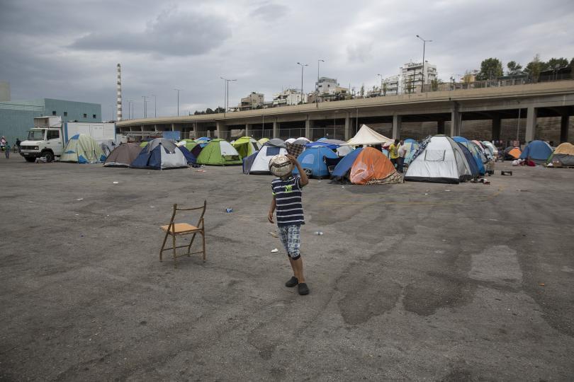европол търси членове ислямска държава мигрантските центрове гърция