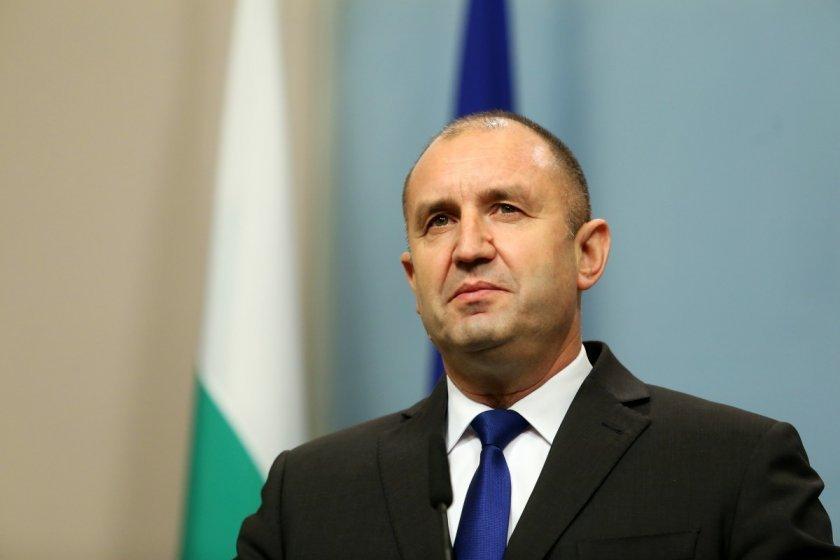 Държавният глава Румен Радев подписа указите за назначаване на служебно