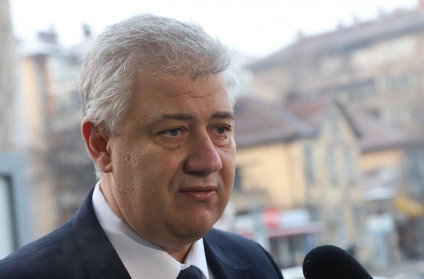 """Ден след уволнението проф. Балтов показа заповедта, с която го отстраняват от """"Пирогов"""""""