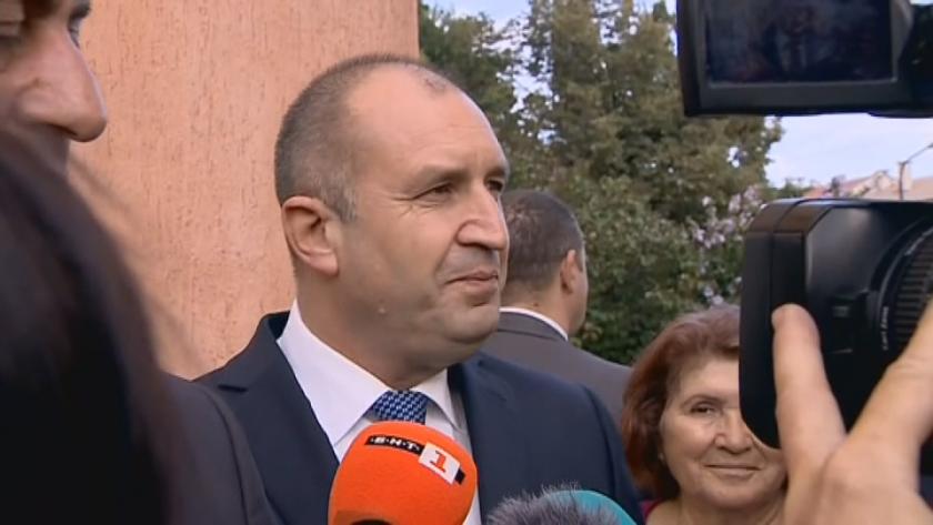 Държавният глава Румен Радев и служебния премиер Стефан Янев поздравиха