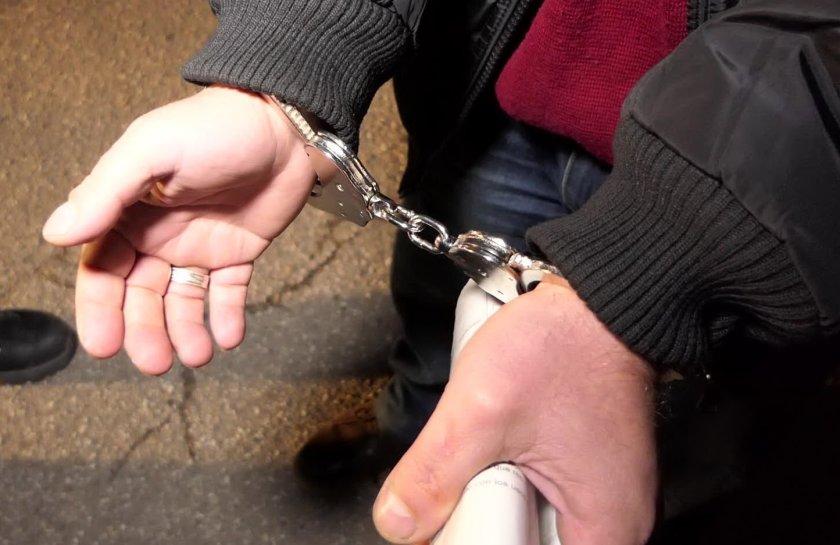 белезници полиция кокаин задържан