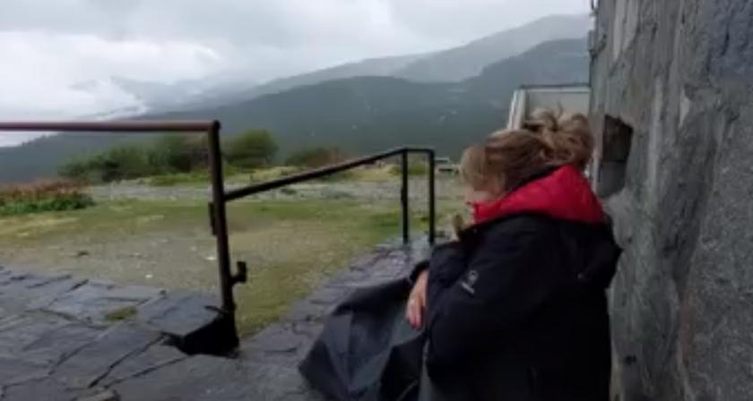 един час окото бурята вратата българска хижа куче видео
