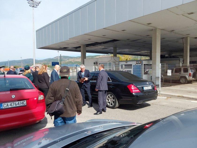 бойко рашков сръбският вътрешен министър обсъдят миграционния натиск границата сърбия