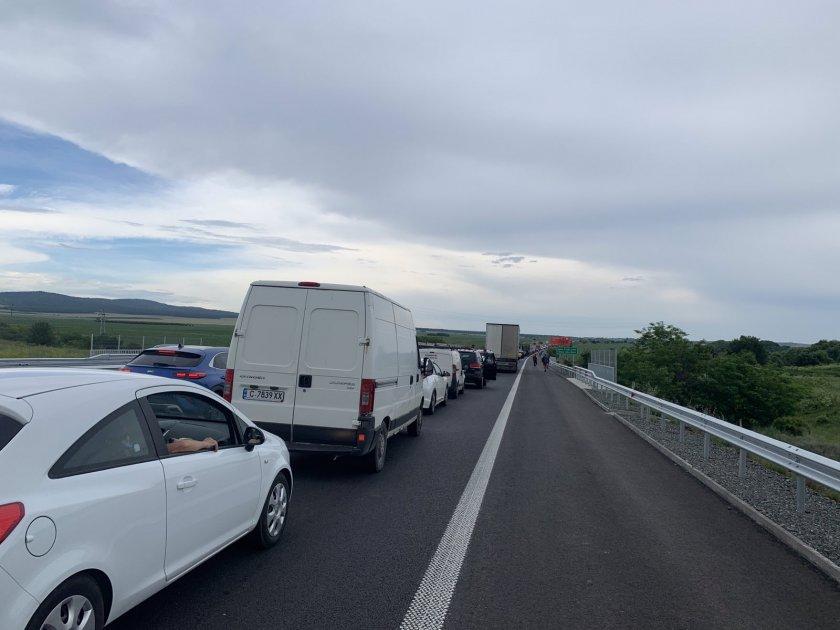 километрично задръстване заради катастрофа магистрала тракия