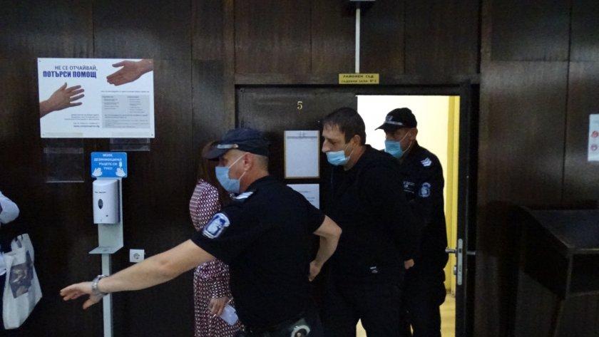 задържаният палежа купола благоевград остава ареста