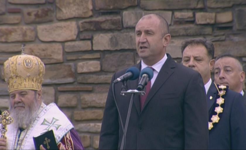 Радев: Вярата на нашия народ в неговите собствени сили ни е нужна и днес (СНИМКИ)