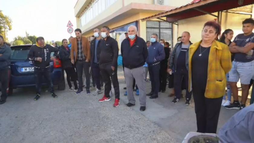 Жителите на с Долни Цибър излязоха на предупредителен протест. Те