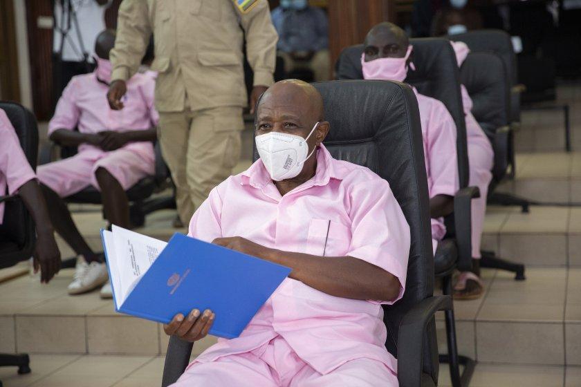 вдъхновителят хотел руанда обвинен тероризъм