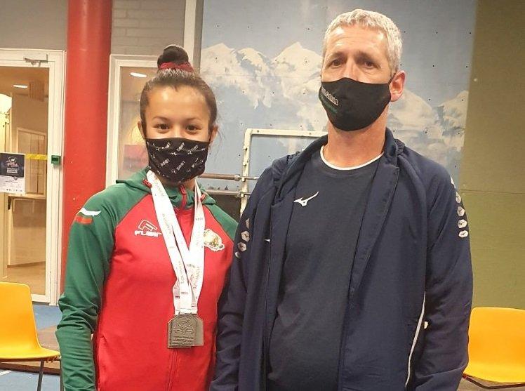 българия първи медал европейското щанги младежи девойки