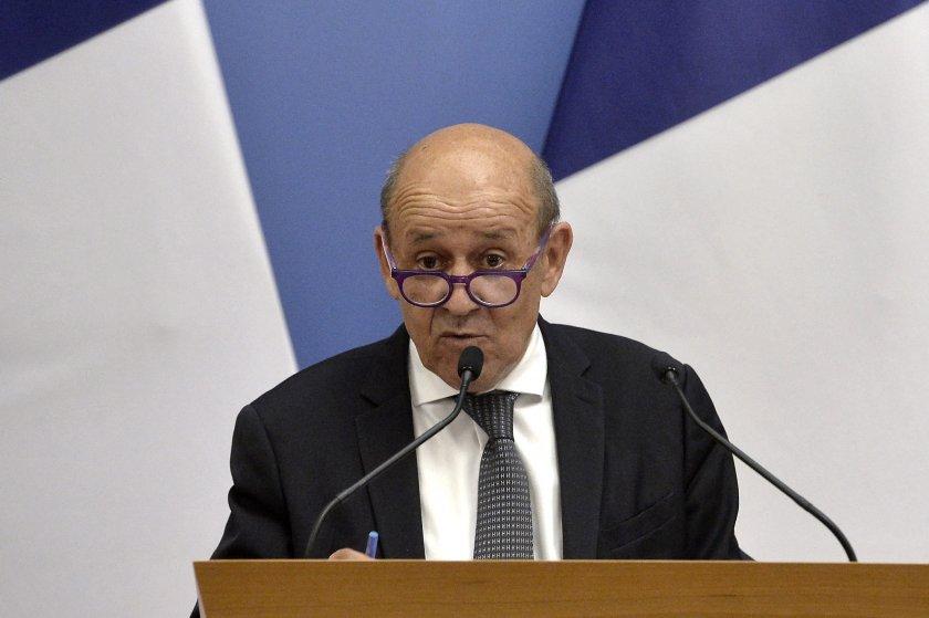 заради пакта сигурност френският министър отбраната отмени среща британския колега