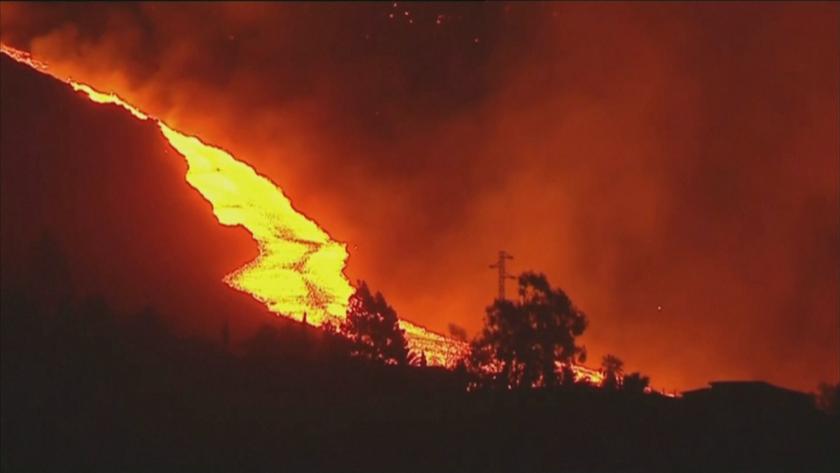 Продължават вулканичните изригвания на остров Ла Палма. Това принуди местните