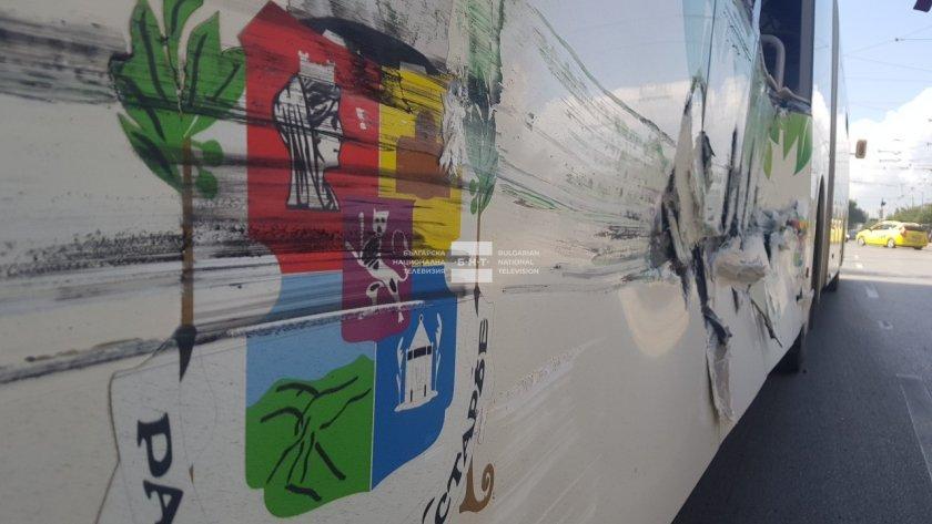 автобус трамвай удариха софия пострадали