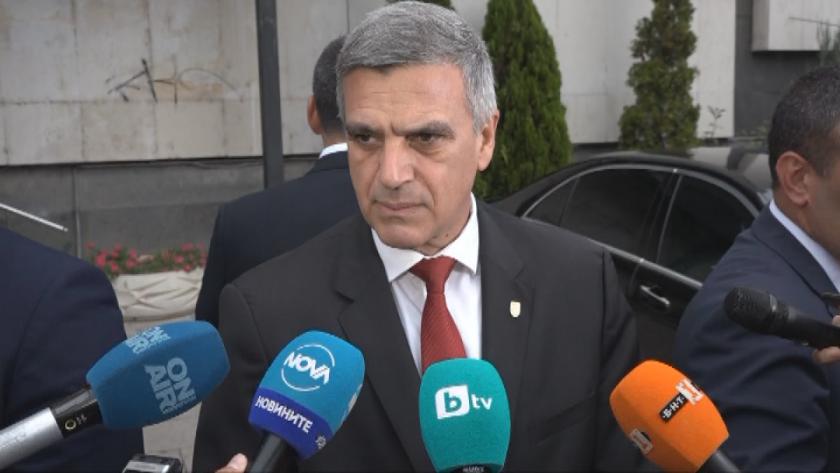 Премиерът Стефан Янев обеща, че правителството ще работи в диалог