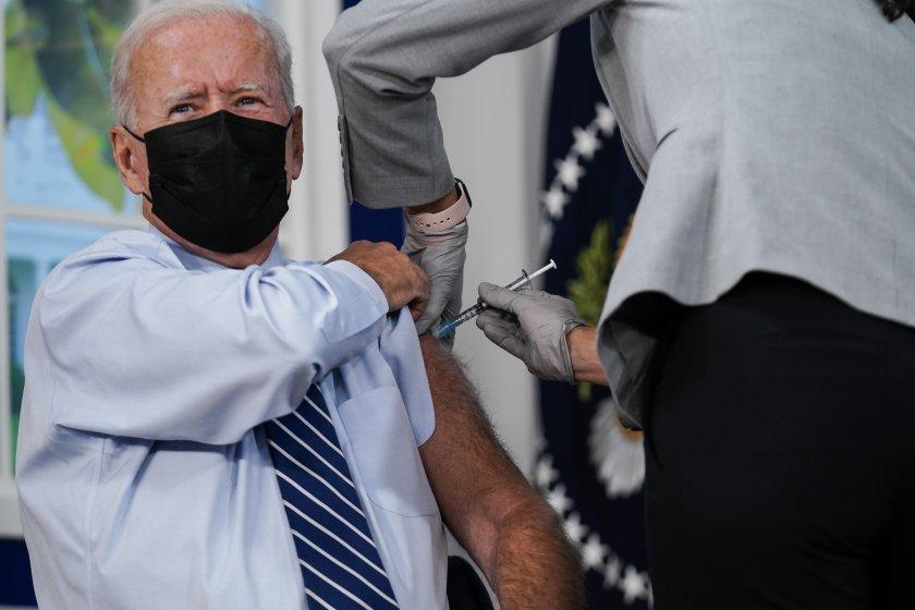 Американският президент Джо Байдън получи трета доза от ваксина срещу