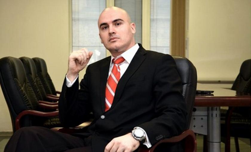 Какви са реакциите след обвиненията за плагиатство на Петър Илиев?
