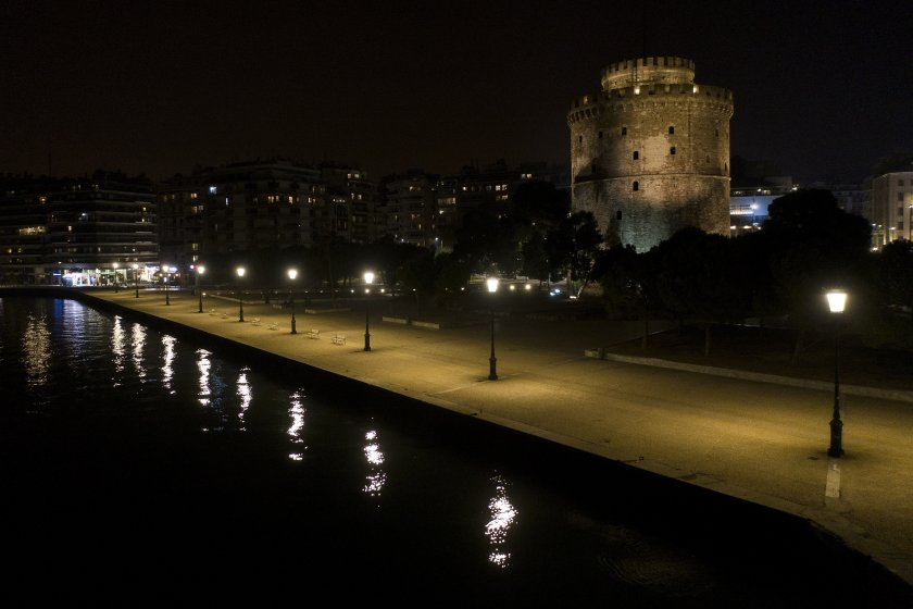 Въвеждат полицейски час в Солун, Халкидики, Лариса и Килкис